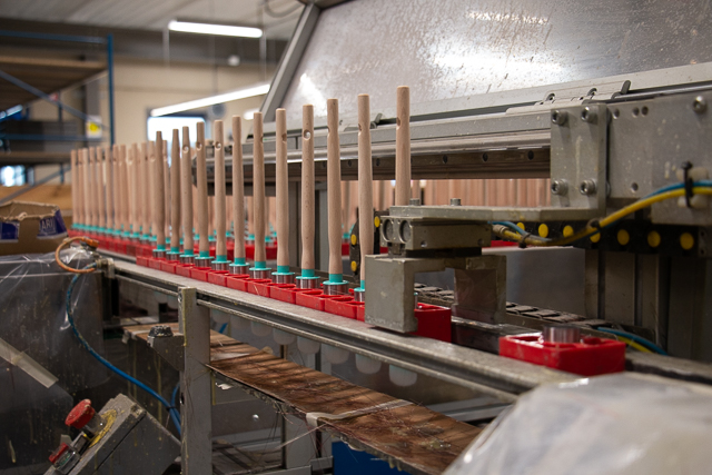 productielijn kwasten - Van Dams kwastenfabriek - Culemborg
